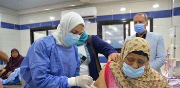 تطعيم المرضى بلقاح كورونا