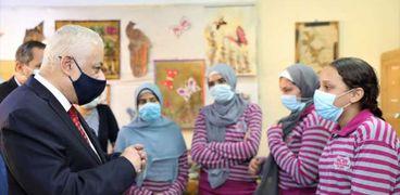 وزير التعليم يتفقد انتظام العام الدراسي الجديد بمدارس القاهرة