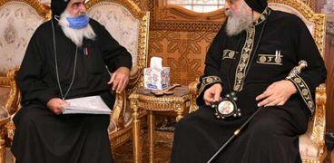 البابا مع أسقف دير مواس