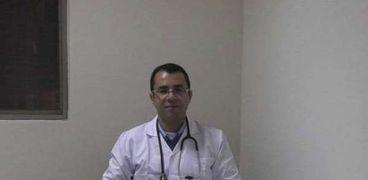 الدكتور مينا قلينى، استشارى أول الادوية العلاجية وخبير أدوية فيروس كورونا