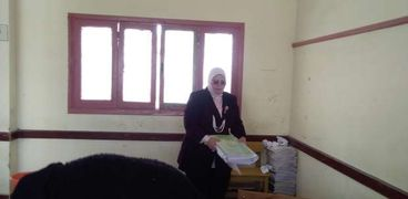 وكيل تعليم كفر الشيخ تشارك فى إعادة تطوير فصول مدرسة المكفوفين