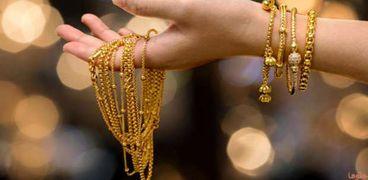 فقد 60 جنيها.. هل يستمر تراجع أسعار الذهب؟
