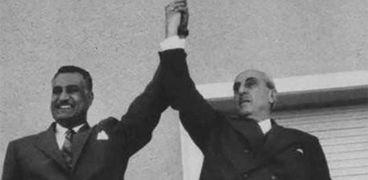 الرئيسين المصري جمال عبد الناصر، والسوري شكري القوتلي