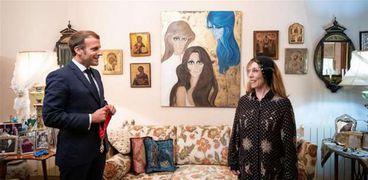 الفنانة اللبنانية فيروز تستقبل الرئيس الفرنسي إيمانويل ماكرون في منزلها