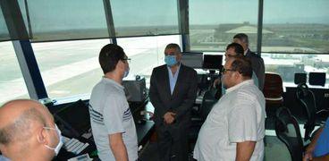 حملات أمنية مكبرة بمطار القاهرة الدولي لضبط إيقاع الحركة والقبض على الخارجين على القانون