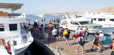"""سياح أجانب  يزورون المدن السياحية المصرية  """"أرشيفية"""""""