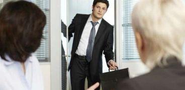كيفية التغلب على المعاناة في بيئة العمل