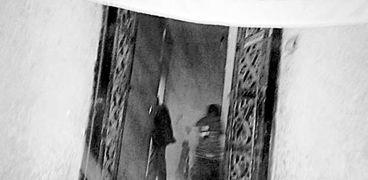 مدخل منزل الإرهابى المتهم بتفجير الكنيسة البطرسية بمركز سنورس فى الفيوم