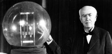 من هو مخترع المصباح الكهربائي؟