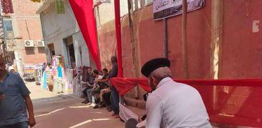 أمن القاهرة يسهل انتخاب كبار السن