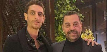 طارق العريان برفقة نجله عمر