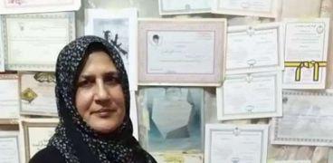 انتصارات الأم المثالية بدمياط: هزمت السرطان وتخرج على يديها مهندس ومحام