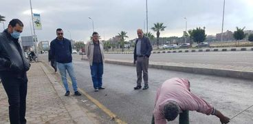 رئيس جهاز مدينة دمياط الجديدة يتفقد محطات الصرف لإستقبال مياه الأمطار