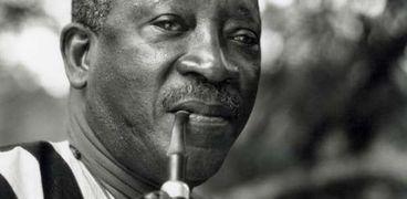 الأديب السنغالي عثمان سيمبين