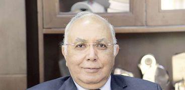 الدكتور احمد الجوهري