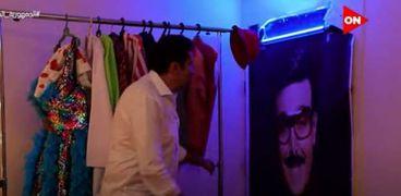 هاني رمزي يضع صورة لسمير غانم في مسرح أبو العربي