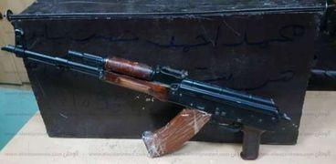 ضبط ٢٩ قطعة سلاح ومواد مخدرة في حملة أمنية بسوهاج
