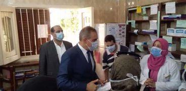 محافظ كفر الشيخ يتفقد وحدة صحية بدسوق
