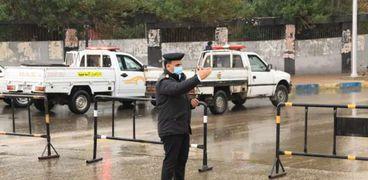 رجال الشرطة ينتشرون في شوارع الإسماعيلية