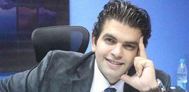 الكاتب الصحفى أحمد الطاهري