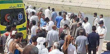 انتشال جثث ضحايا غرق تروسيكل في ترعة ناصر بالإسكندرية