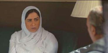 ياسمين عبدالعزيز في مشهد من مسلسل اللي مالوش كبير