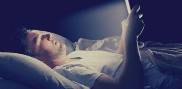 أضرار النوم بالقرب من الهاتف المحمول