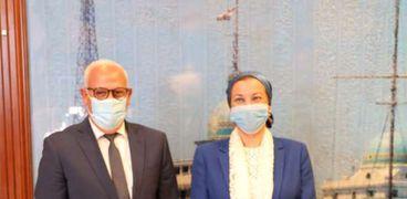 ياسمين فؤاد وزيرة البيئة مع محافظ بورسعيد