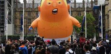 بالون أعده محتجون بريطانيون للاحتجاج على زيارة الرئيس الأمريكي