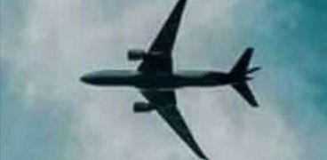 أشرف السعد يصل مطار القاهرة الدولي عائدا من لندن