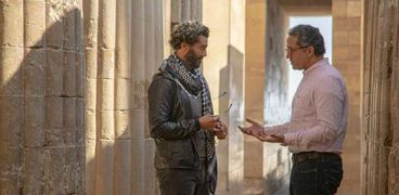 «العناني» يلتقي خالد النبوي خلال تصوير فيلم ترويجي عن الحضارة المصرية