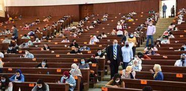 امتحانات التيرم الثاني بالجامعات باجراءات مشددة