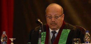الدكتور جمال عصمت، أستاذ الأمراض المعدية والمشرف على التجربة