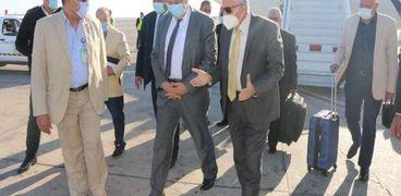 وزير الزراعة يصل إلى جنوب سيناء لتفقد عدد من المشروعات في نويبع