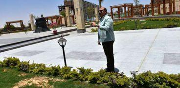 محافظ أسوان يتابع الالتزام بقرارات غلق الحدائق والمتنزهات