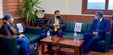 مدير برنامج الأغذية العالمي فى مصر خلال لقائه مع رئيس جامعة مطروح