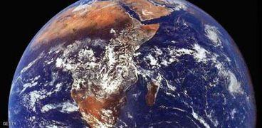 """جوجل يحارب نظرية """"الأرض المسطحة"""""""
