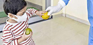 أعراض إصابة الأطفال بكورونا