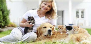 أطباء بيطريون يحذرون من انتقال كورونا عبر فرو الحيوانات الأليفة