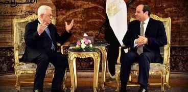 """لقاء سابق بين الرئيس عبدالفتاح السيسي و""""أبومازن"""""""