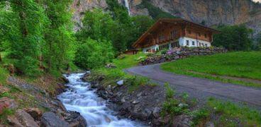 وادي لوتيربرونين من أفضل الأماكن السياحية علي مستوي العالم
