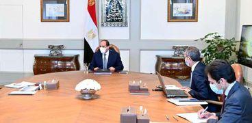 اجتماع الرئيس مع رئيس الوزراء ووزير الاتصالات