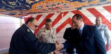 بالصور| السكرتير العام المساعد بجنوب سيناء يتفقد انتخابات جولة الإعادة بالدائرة الثالثة