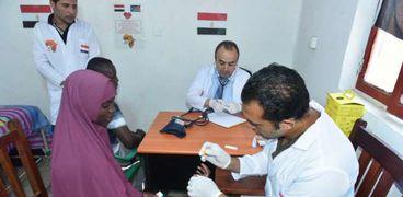 فحص 30 ألف مواطن أفريقي من فيروس