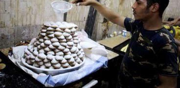 الإكثار من كعك العيد يسبب مشاكل صحية عديدة