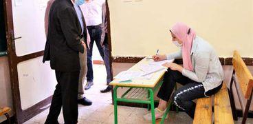 محافظ الغربية يتفقد لجان امتحانات الدبلومات الفنية