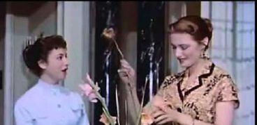 مريم فخر الدين وفاتن حمامة في مشهد من فيلم«لا أنام»