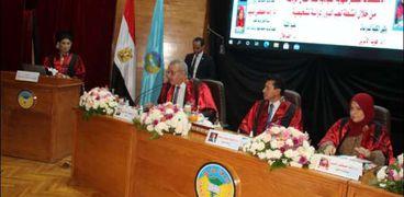 وزير الشباب والرياضة يناقش رسالة ماجستير بجامعة طنطا