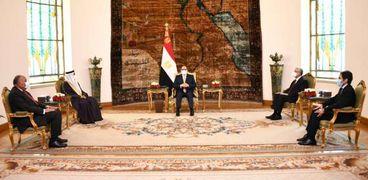 الرئيس السيسي يستقبل رئيس البرلمان العربي بحضور حنفي الجبالي