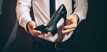 حذاء الكعب العالي